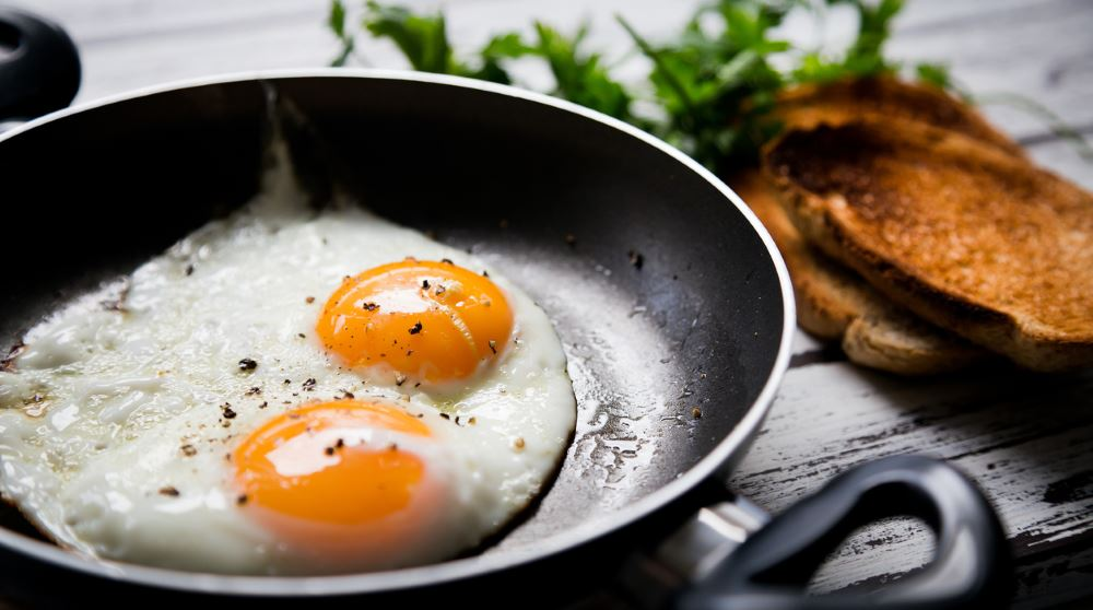 Fried eggs in skillet